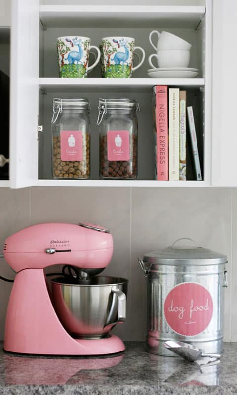 stylish pet food organization from iheartorganizing