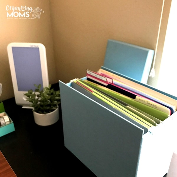 File box and light therapy lamp