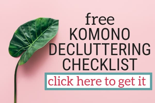 This free checklist is filled with easy ideas to help you get rid of some of the komono items you might have started to blend into the background of your living space. You can use this as part of the komono decluttering step (although there may be some items that belong in the clothing or books categories), or as a quick sweep before diving into the KonMari process Give yourself a few quick wins while building your decluttering skills with this simple checklist of decluttering ideas.