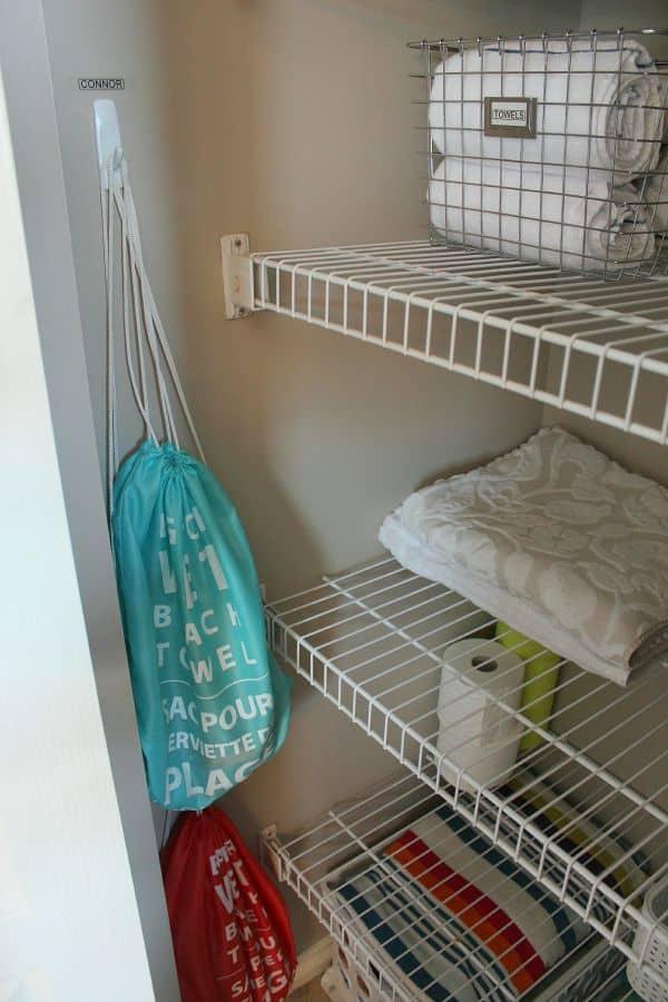 Linen-Closet-Organization-3