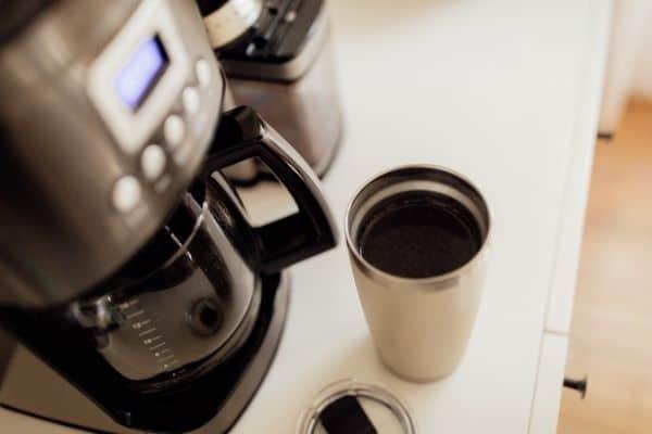 coffee maker on kitchen desk