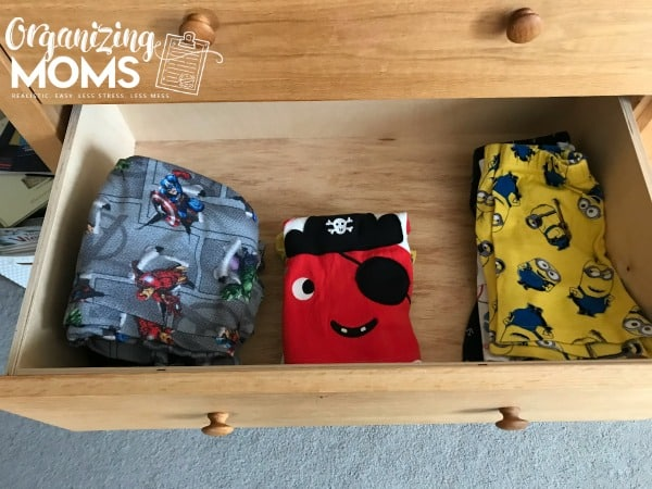 Organized pajama drawer for kids. How to help your child organize clothes.