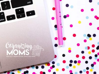 Quick and realistic organizing tips for moms. We try out different organizing tips to see if they actually work. Check out the results, and pick something that would work for you!